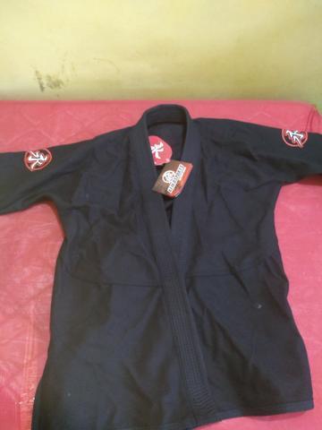 Kimono jj novo, nunca usado + faixa