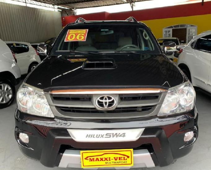 Toyota SW4 3.0 Srv 7l 4x4 Aut. 5p R$69.900,00