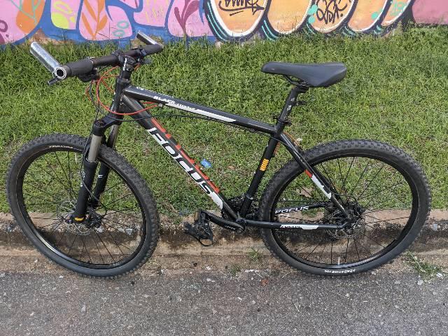 Bicicleta focus black hills rodas everest xc 27.5 toda deore