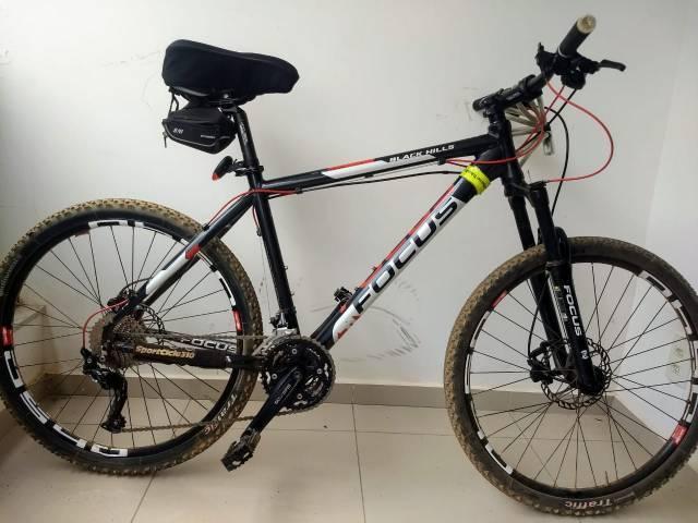 Bicicleta focus black hills toda deore