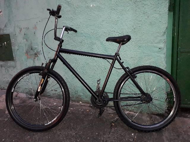 Bike aro 26 quero r$230,00