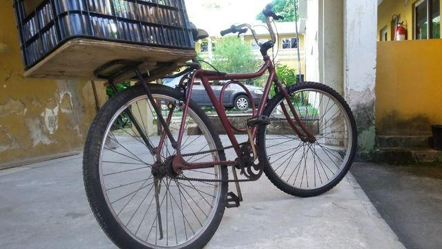 Vendo bicicleta monark, barra circular em bom estado