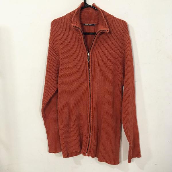 Cardigan tricot com zíper estiloso no friozinho