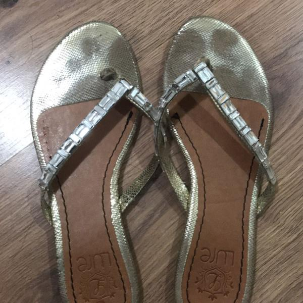Linda sandália rasteirinha de strass grande