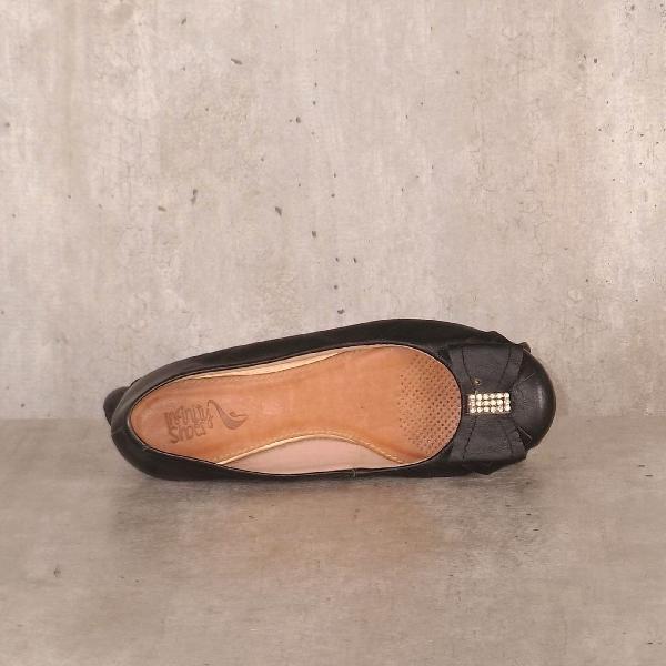 Sapatilha preta com laço infinity shoes