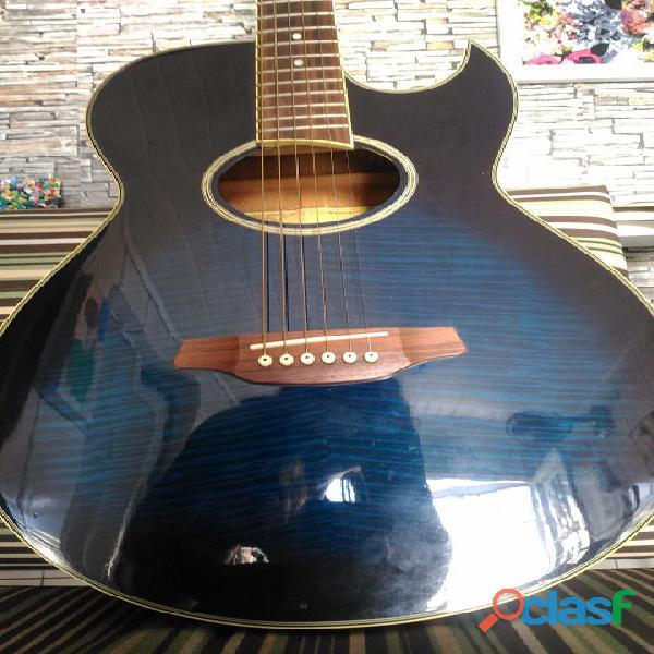 Troco por guitarra de valor equivalente