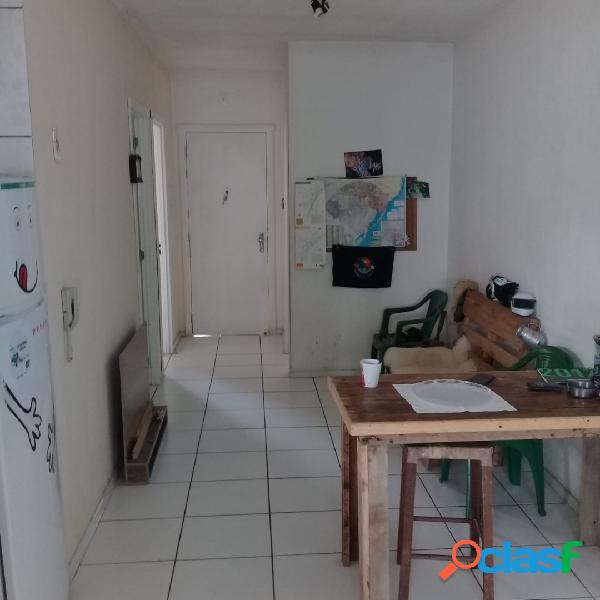 Casa em condomínio fechado 2 dormitórios no algarve em alvorada