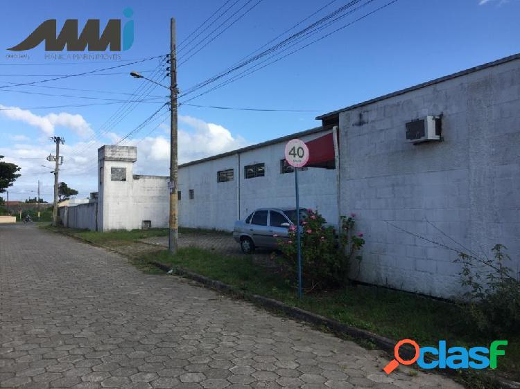 Galpão industrial a venda com 1000 m² possuindo 1 doca em navegantes sc