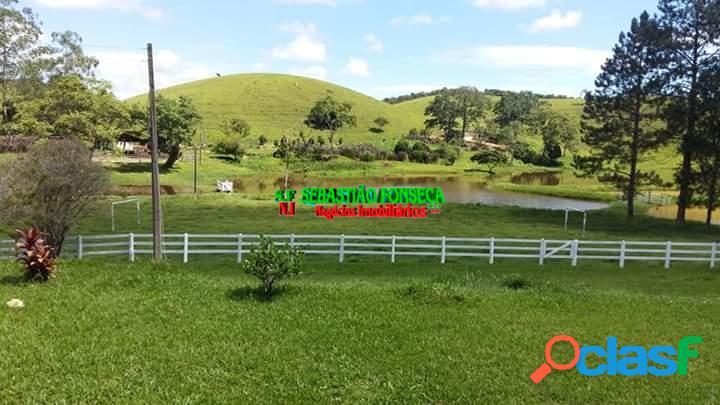 Belo sítio com lago em Paraibuna 2