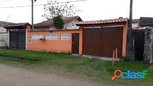 Casa 2 dormitórios com edicula lado praia em itanhaém