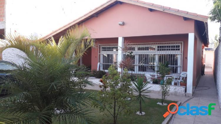 Casa terreno de 400m2- ajardinado- a 250 m praia + edícula- itanhaém s/p