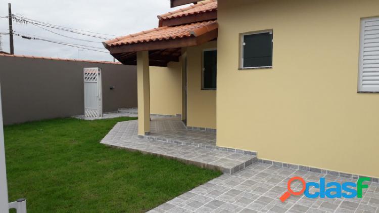Casa nova lado praia ótima localização bairro c/ moradores fixos itanhaém.