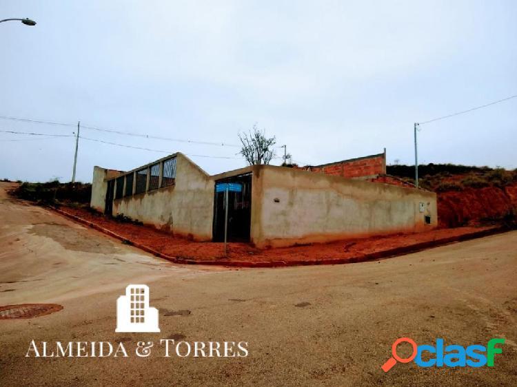Lote mais base da casa bairro pitangueiras