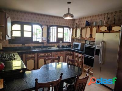 500 M2. Hermosa Casa Quinta en Venta en Terrazas de los Nisperos 3