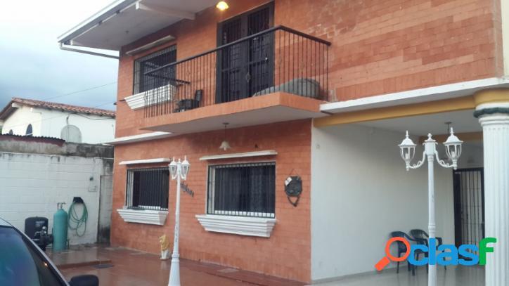 858 m2. venta de amplia y confortable casa en san diego valencia.