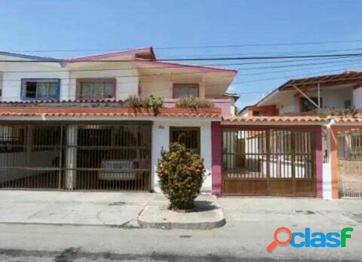 349 m2. en venta apartamento en urbanización cumboto norte, puerto cabello.