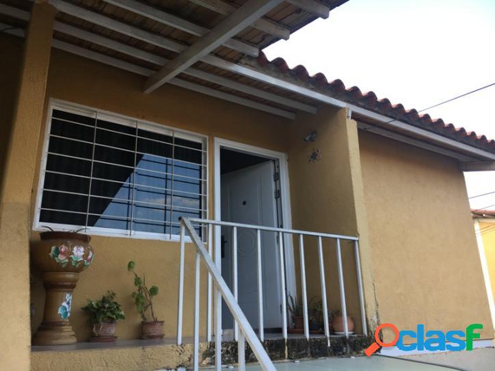 65 m2. en venta casa en terrazas de paramacay naguanagua