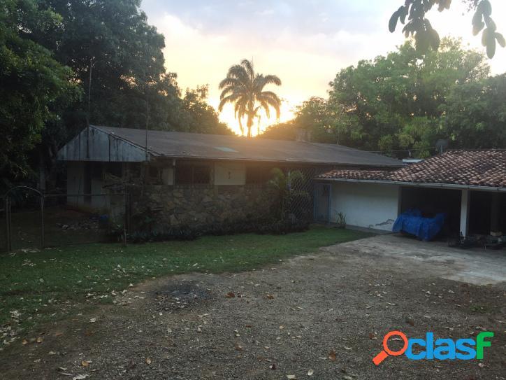 450mts2 se vende casa en colinas de guataparo