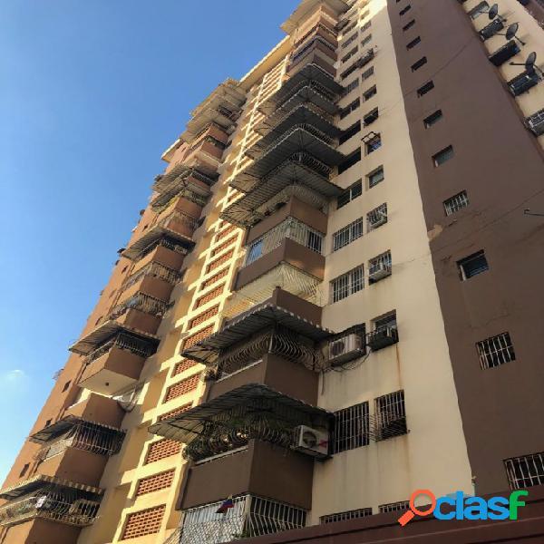 Venta de apartamento en la urbanización el centro residencia petunia. 83 m2
