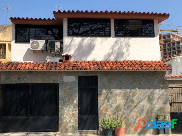 110 m2. venta apartoquinta remodelado en la urbanización el bosque