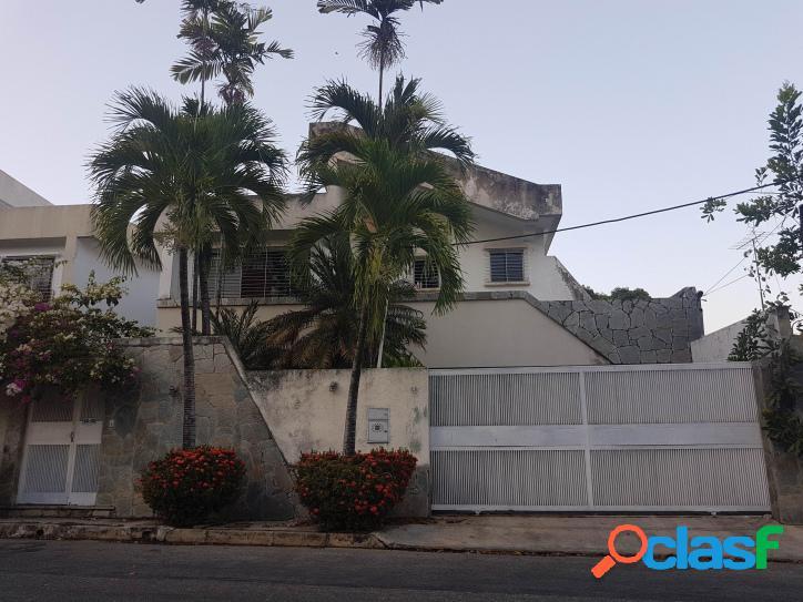 233 m2. en venta espectacular casa quinta en agua blanca - valencia