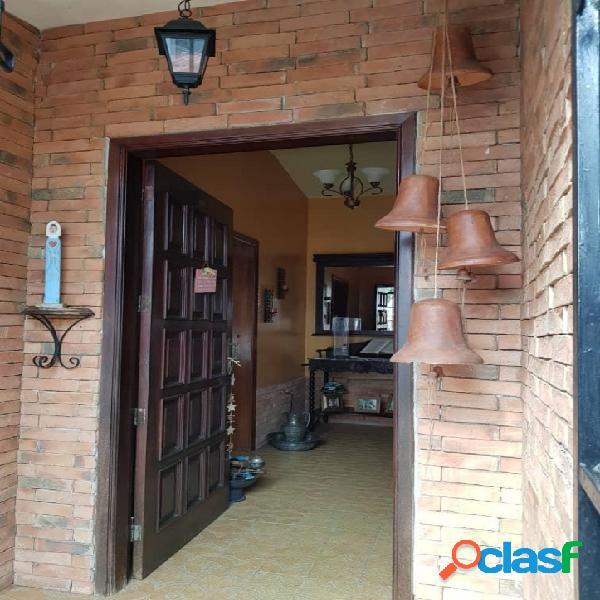 350 m2 amplia casa de comodos espacios calle cerrada y pozo