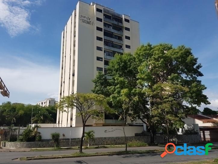 88 m2. bello apartamento en valles de camoruco - valencia