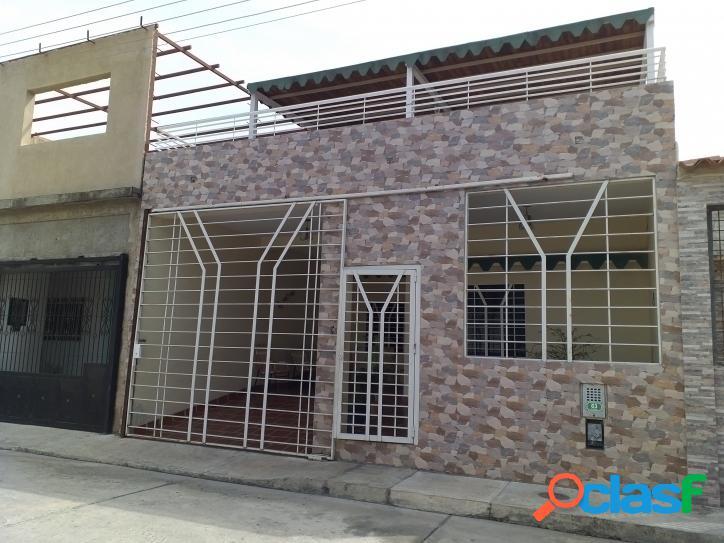 115 m2. casa en venta urb altamira san joaquin