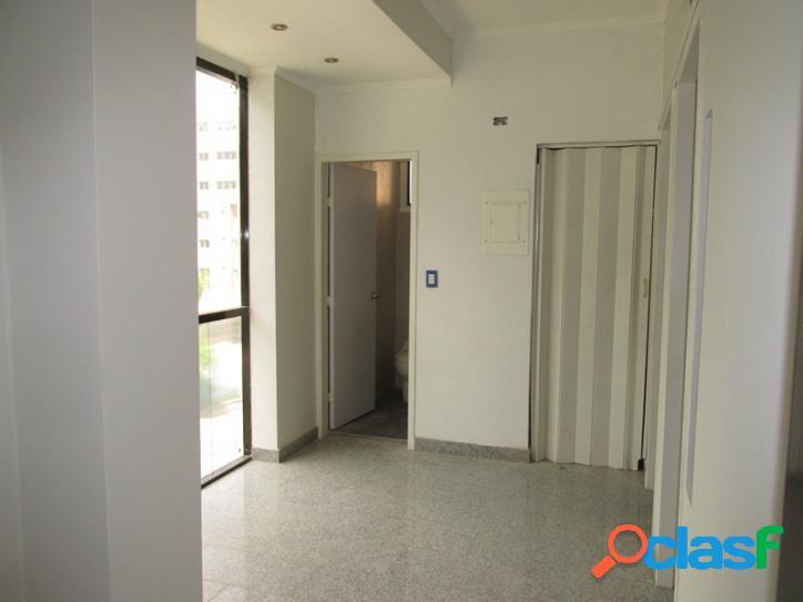 Venta de oficina comercial en maracay urbanización la arboleda. 35 m2.