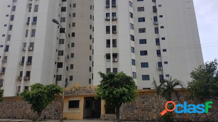 93,05 m2. espacioso y bonito apartamento en resd las antillas - la granja