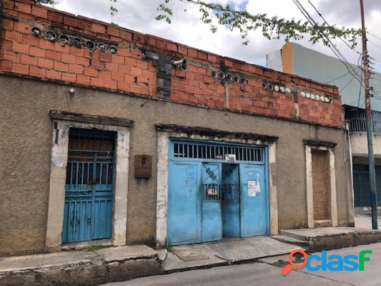 554 m2. en venta casa y terreno zonificación comercial avenida martín tovar