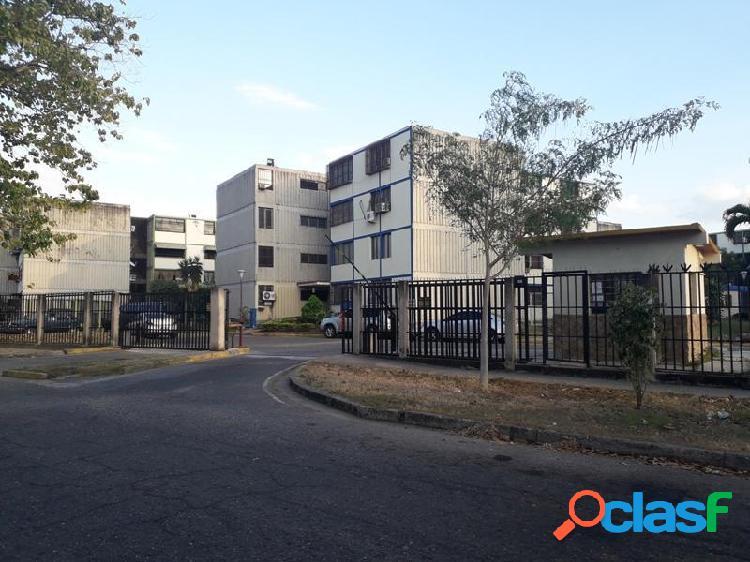 74 m2. bello y cómodo apartamento en venta en monteserino, san diego