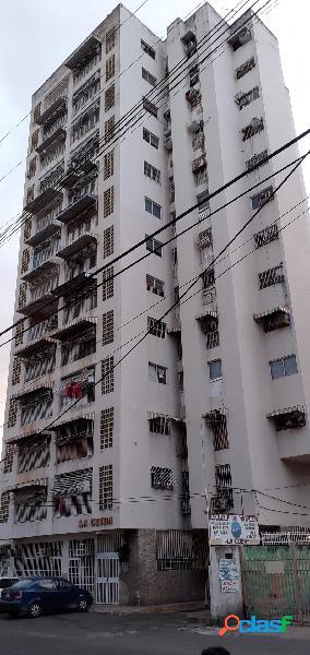 Se vende apartamento en av bolívar de maracay e.do aragua