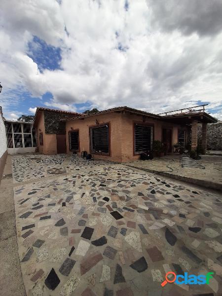 Venta de hermosa casa en chalets country san diego