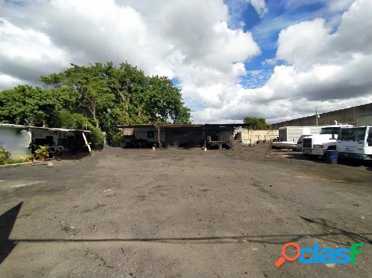 Terreno comercial 2250m2 con galpón industrial,local comercial y oficinas
