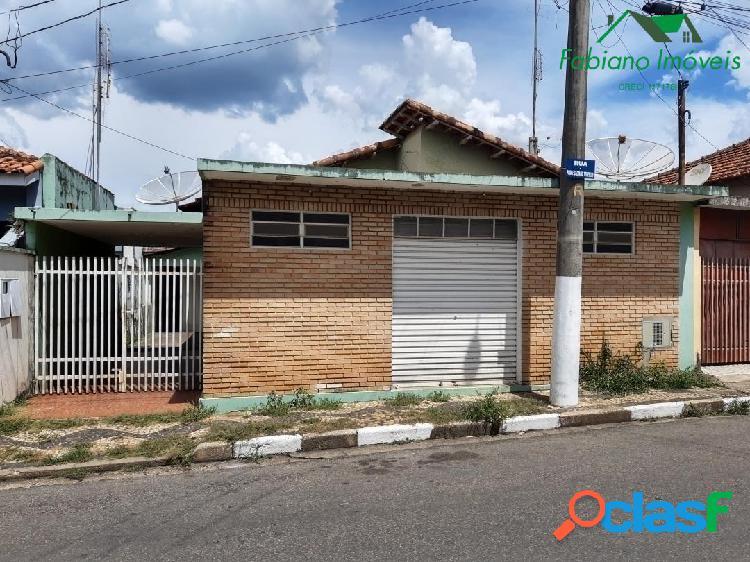 Casa com ponto comercial centro angatuba sp
