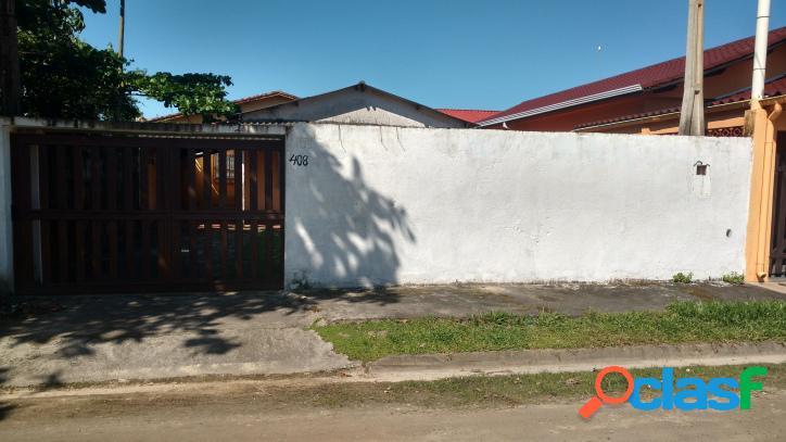 Casa barata no centro de ilha comprida