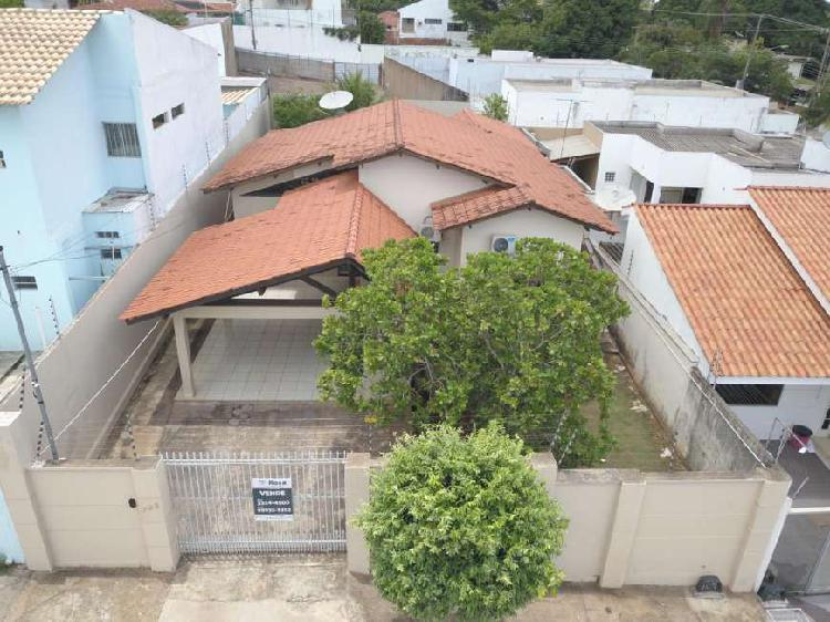 Casa bairro santa rosa localizada na rua alemanha