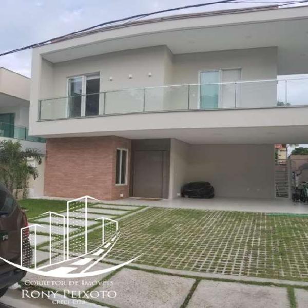 Casa de condomínio para venda possui 480 metros quadrados