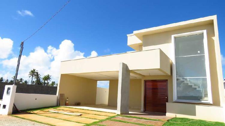 Excelente casa em condomínio fechado com 280m²