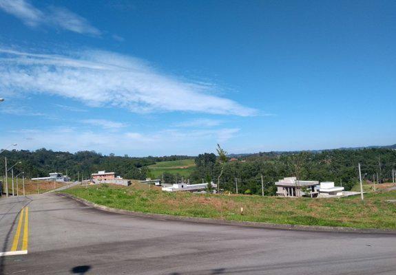 Lindo terreno de esquina no condomínio reserva santa paula
