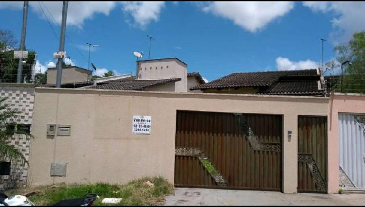 Vende casa nova com três quartos sendo 1 suíte no setor