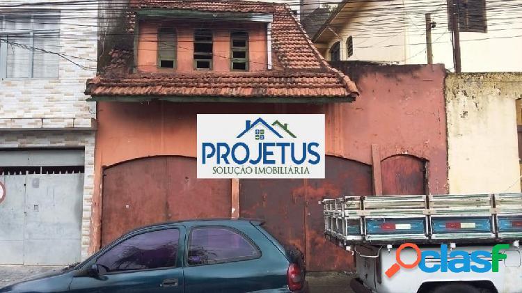 Casa com terreno de 180 m2 excelente localização