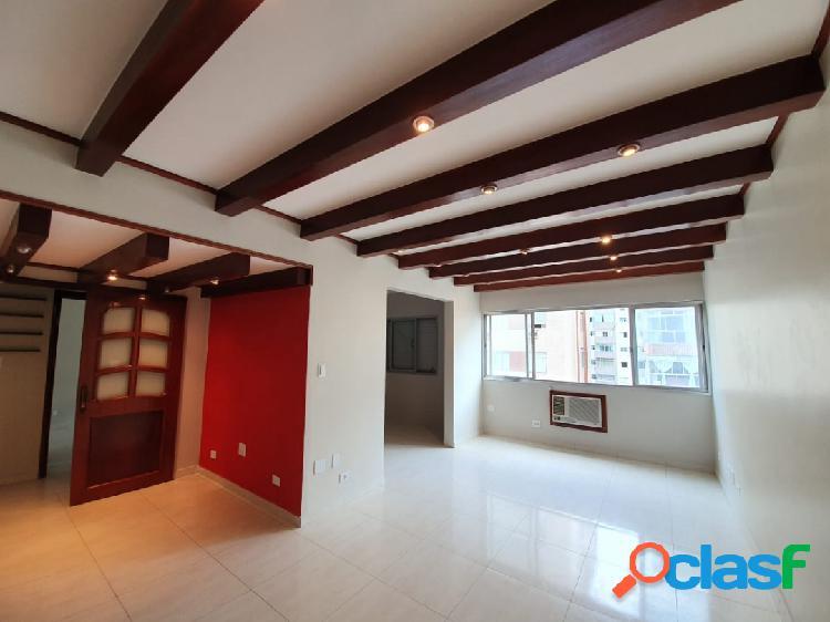 Excelente apartamento de 3 dorm com 2 suítes em Santos na Ponta da Praia.