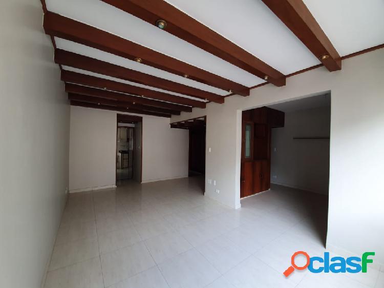 Excelente apartamento de 3 dorm com 2 suítes em Santos na Ponta da Praia. 1