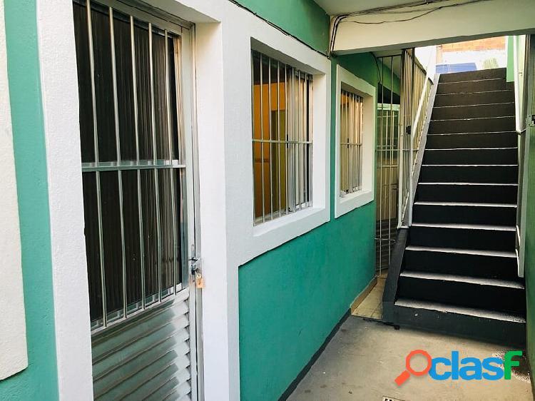 Casa com 3 comôdos para locação com deposito caução