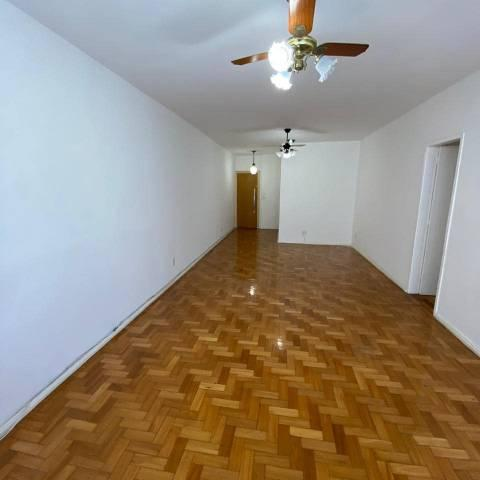 A.lugo maravilhoso apartamento três quartos amplo icaraí