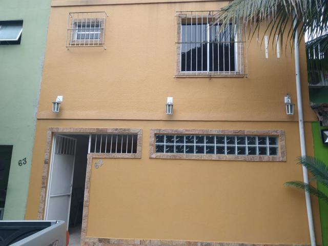 Alugo casa duplex 3 quartos