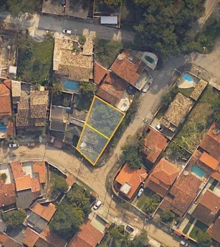 Lotes em itaipu, topografia de esquina, 180m2