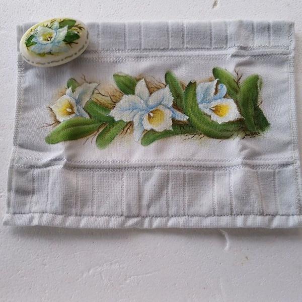 Toalha de mão mais sabonete pintados á mão